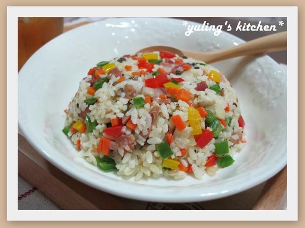 桌布- 五色蔬菜炒飯.jpg