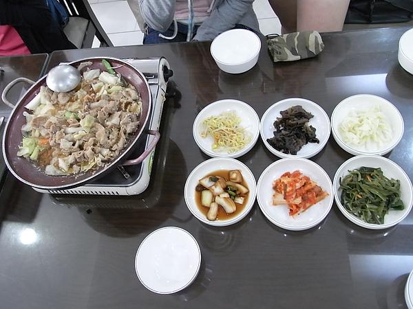 Korea第一餐...從第一天吃到第四天吧=v=