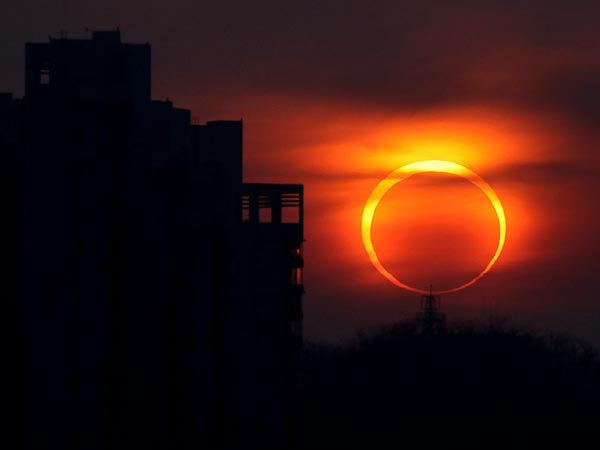 0521_annular-eclipse-sun-moon-this-saturday-may-2012_53394_600x450