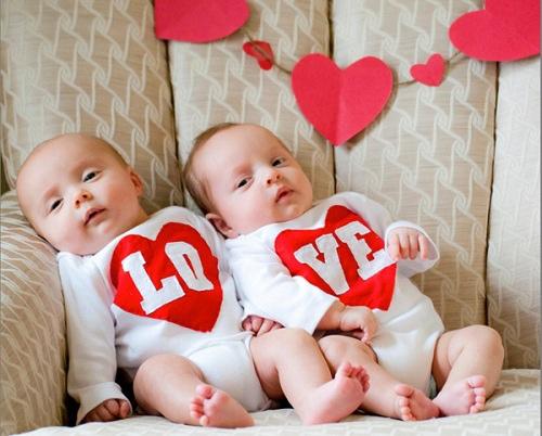 01_etsy-valentines-love-onesie