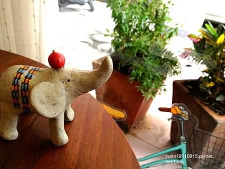 Deer Cafe 025