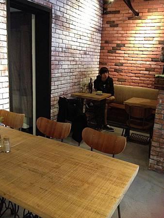 Juggler cafe 002