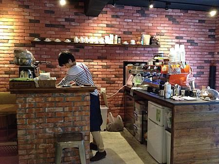 Juggler cafe 003