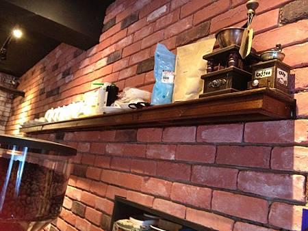 Juggler cafe 005