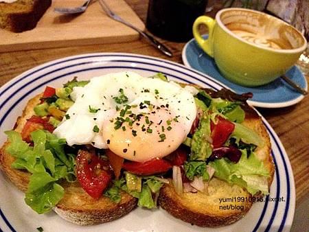 Juggler cafe 028