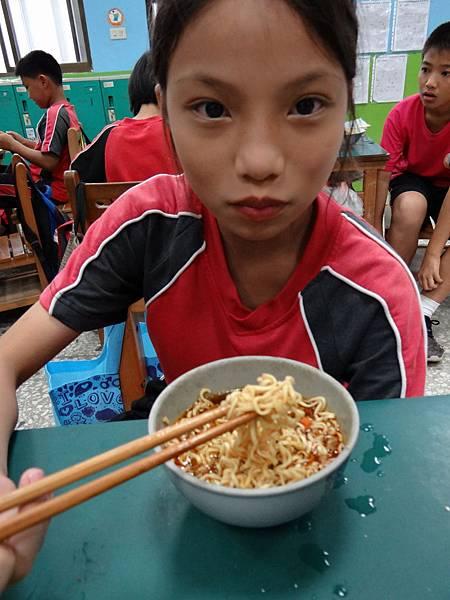 20150608素食泡麵 (4)