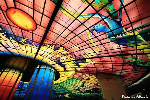 美麗島站光之穹頂.jpg