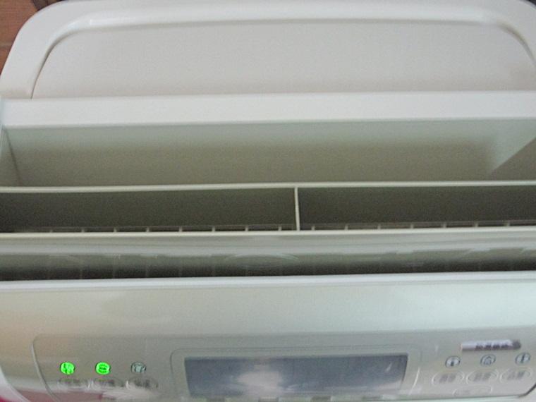 日立除濕機11.JPG