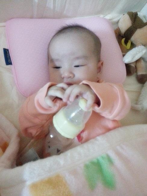 小獅王辛巴超輕鑽奶瓶 (18).jpg