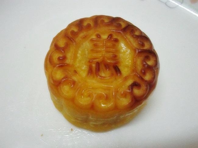 美心月餅-奶黃月餅 (6).JPG