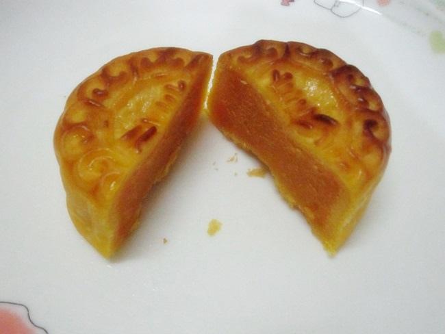 美心月餅-奶黃月餅 (7).JPG