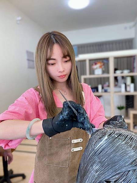Yuna 廣告 「燙髮教主」_200415_0007.jpg