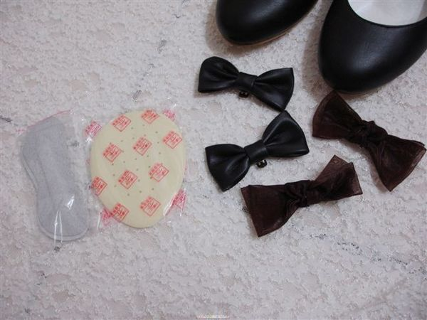 連配件看起來都很有質感,尤其是那鞋墊摸起來超舒服的!