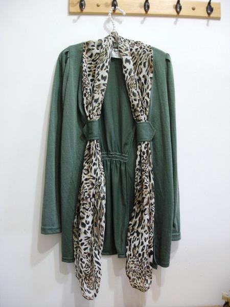 假豹紋圍巾罩衫