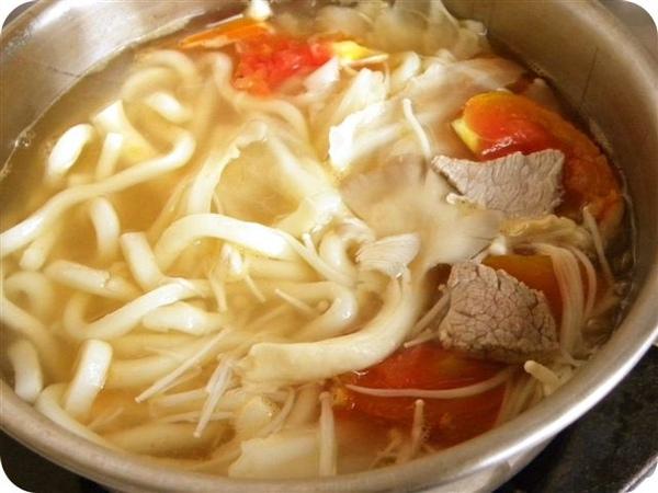 番茄鍋燒麵成品