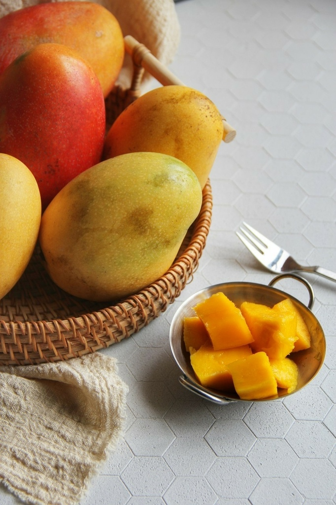 爽舖團購芒果品種有四種、愛文芒果、金煌芒果、玉文芒果