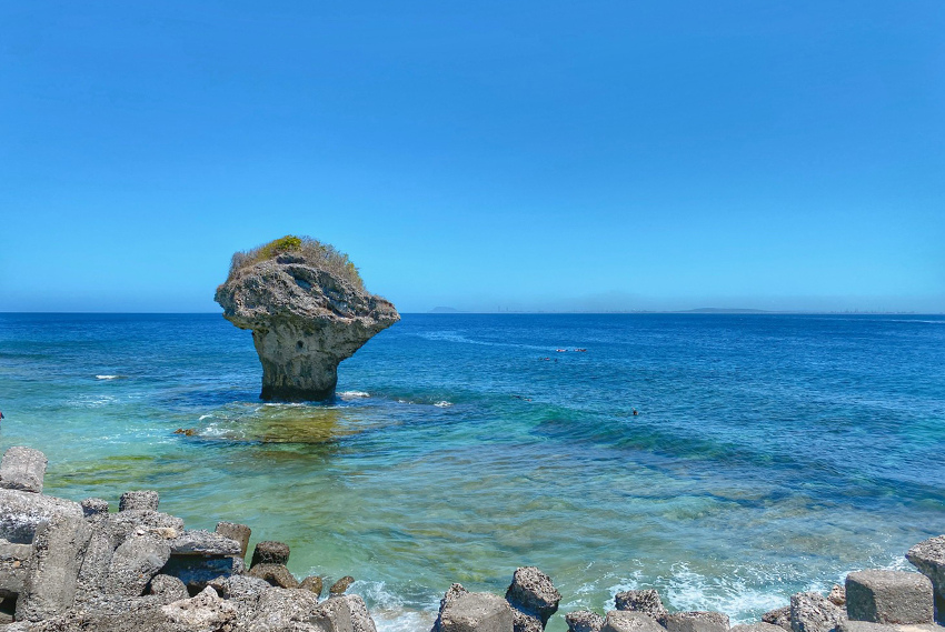 小琉球花瓶 岩 白色沙灘08.jpg