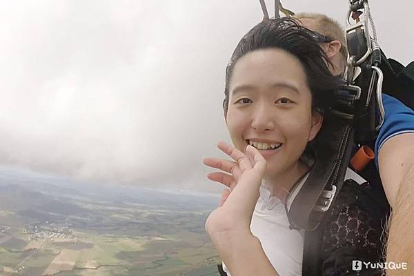 skydive01.jpg