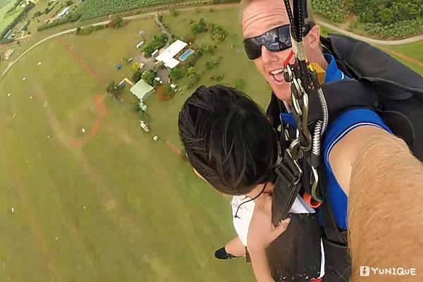 skydive02.jpg