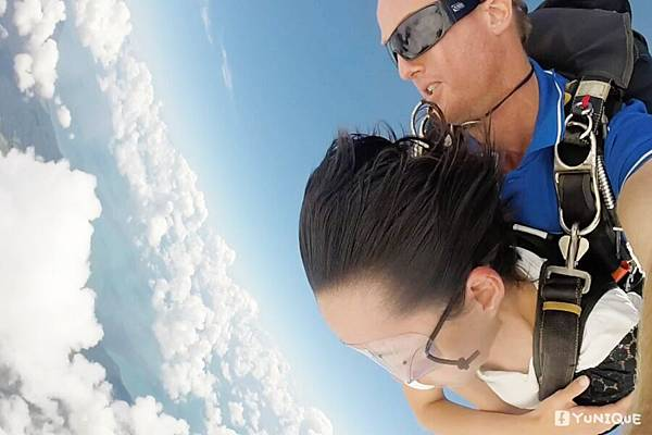 skydive17.jpg