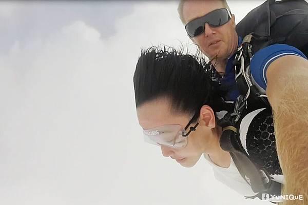 skydive20.jpg