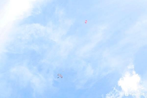 skydive27.jpg