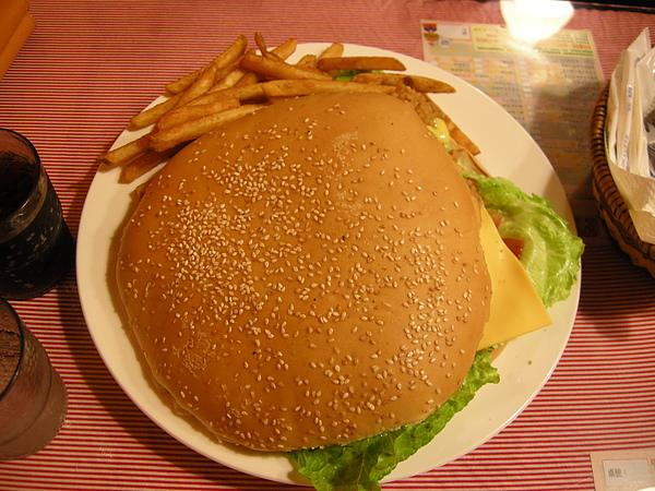 FEED ME巨無霸漢堡