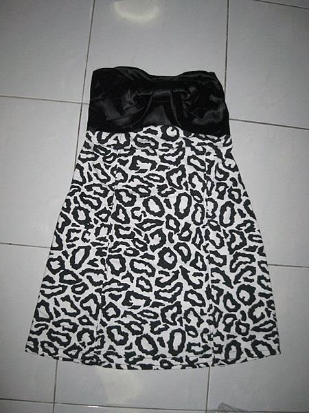 vivi09年01月份杂志同款日式斑马纹蝴蝶结裹胸连衣裙  RM28
