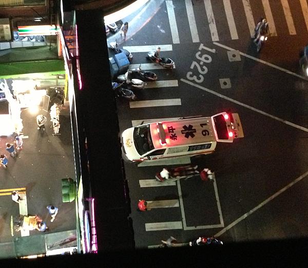 樂華夜市 救護車被擋 2