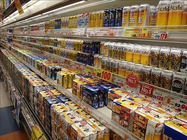 日本超市的啤酒好壯觀!