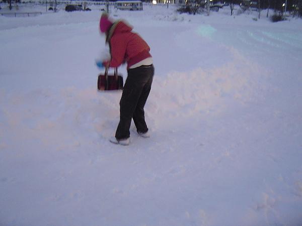 雪人製作中