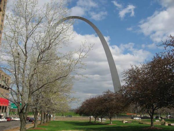 St. Louis的地標Arch