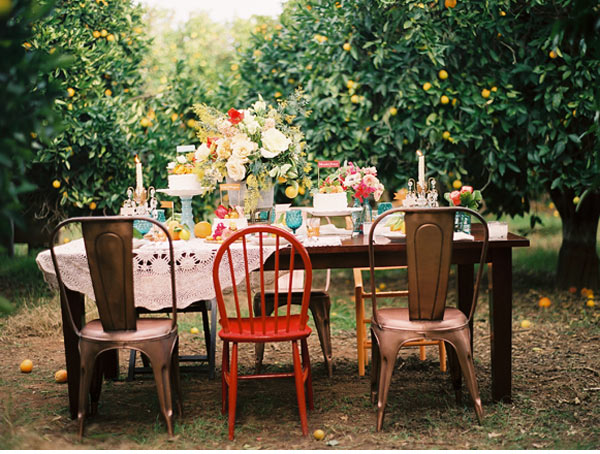 mismatched-vintage-chairs-weddings-ceremony-reception2