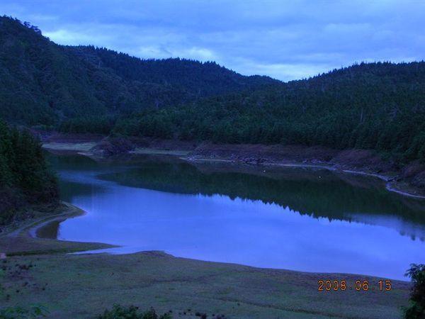 35翠峰湖枯水期
