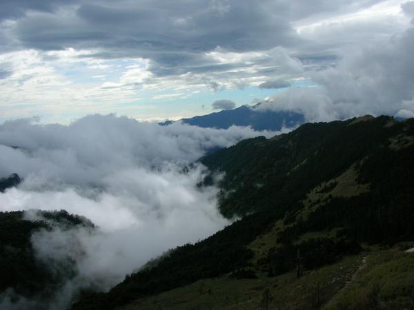 102山與雲03.JPG