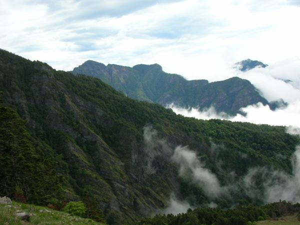 101山與雲02.JPG