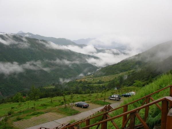 124登山口的山雲03.JPG