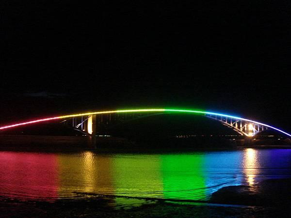觀音亭彩虹橋的夜景