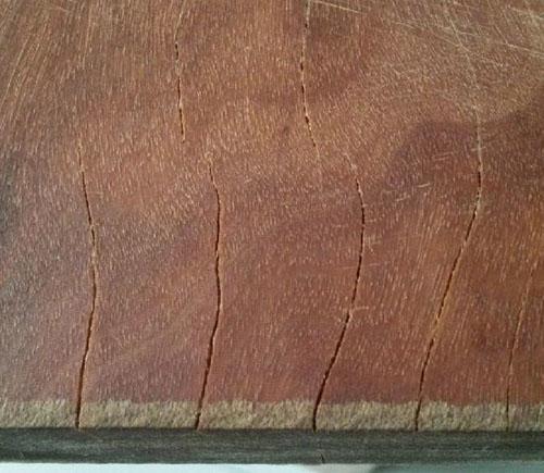 木砧板裂開-優莉的秘密花園.jpg
