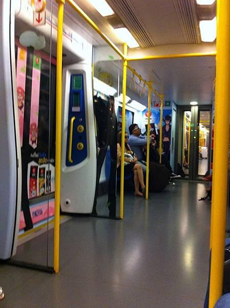 藍線車廂2