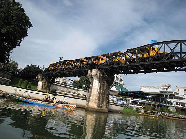 桂河列車通過