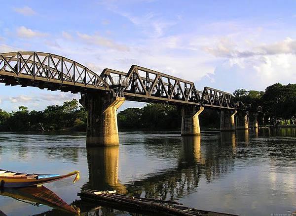 Kanchanaburi-桂河大橋2.jpg