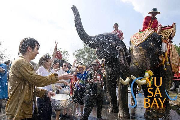 Thaialand-songkran-phran-nakhon-si-ayutthaya