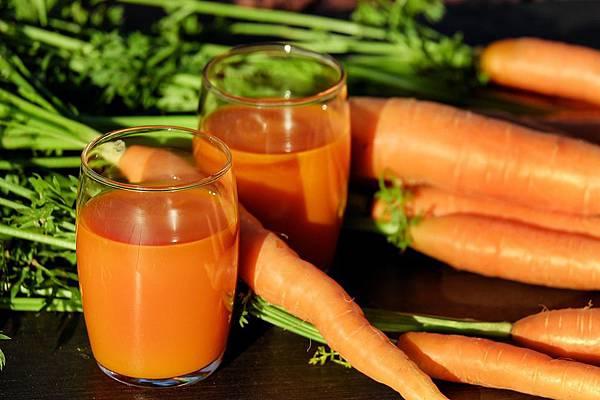 carrot-juice-1623157_960_720.jpg