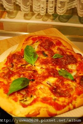 手工海鮮pizza