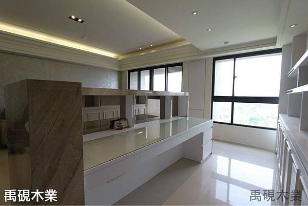 新竹系統家具公司-客廳裝潢設計-室內設計