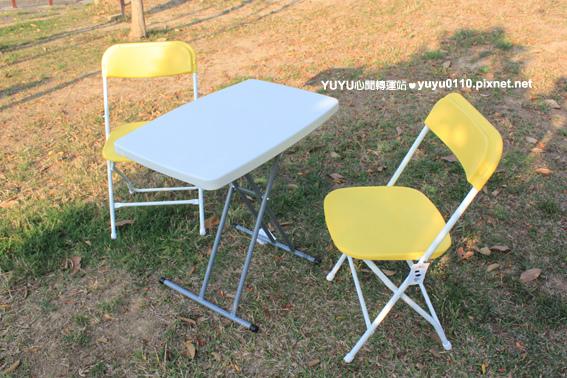 """30""""塑膠折疊邊桌+icandy耐衝撞折疊椅1"""