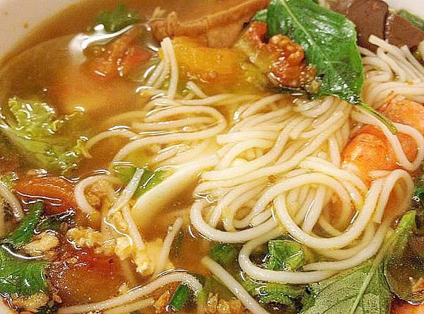 津正越南美食-海鮮米粉-a