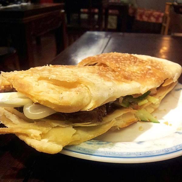 美華古典麵食館-牛肉餡餅-a