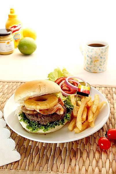李歐愛高妹-鳳梨BBQ牛肉漢堡-a